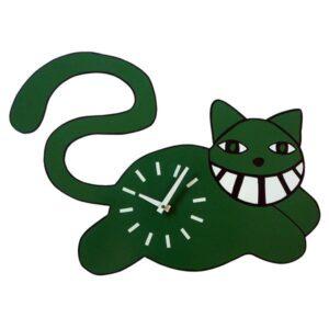 Pisici verzi pe pereți