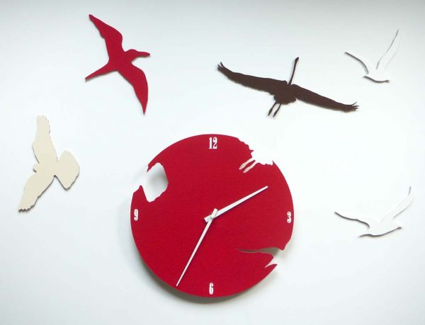 ceas rosu cu pasari