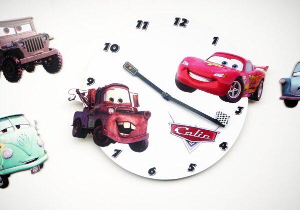 Ceas de perete Cars, Mater