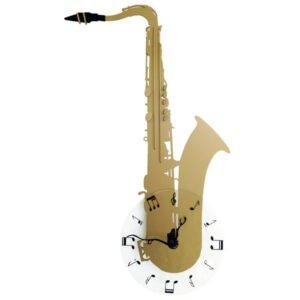Saxofon cu ceas