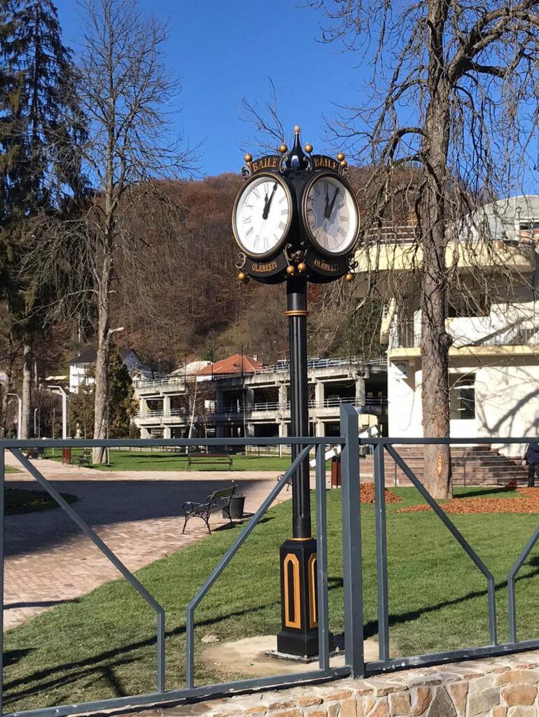 Ceas ornamental cu sincronizare GPS baile olanesti