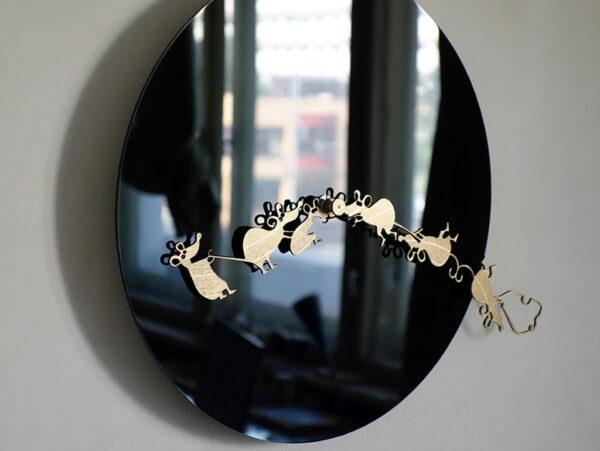 oglinda acrilica neagra ceas