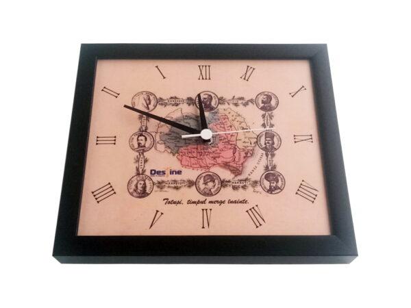 ceas de perete rotatie inversa