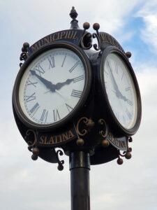 Ceas exterior Slatina