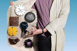 om cu ceasuri