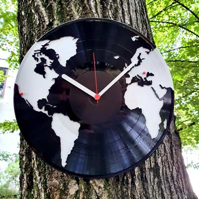 ceas vinil harta lumii pe copac