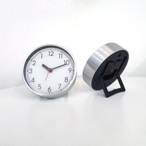 Ceasuri ce funcționează invers