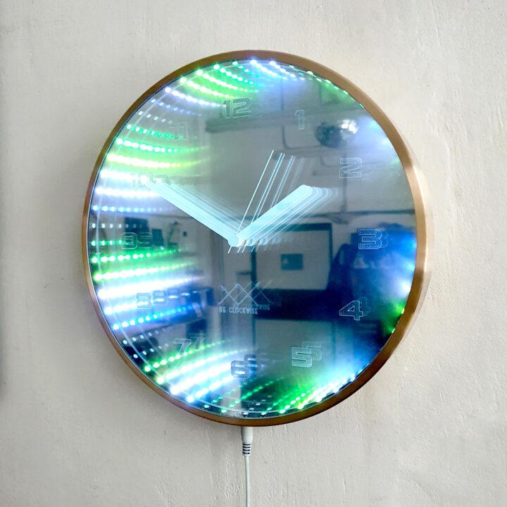 Oglinda infinit ceas perete 30 cm rama aurie