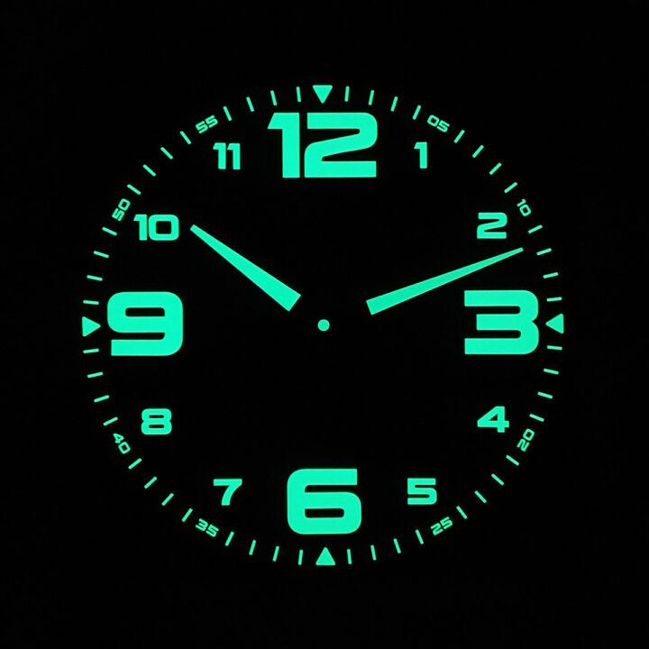 ceas fosforescent vizibil noaptea Night Race